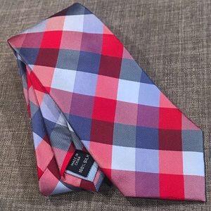 NEW Tommy Hilfiger Classic Plaid Silk Tie